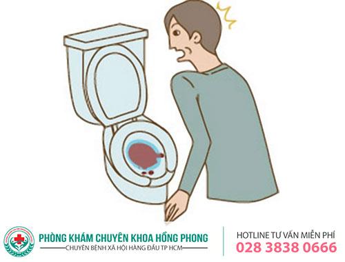 Tiểu ra máu là dấu hiệu của nhiều bệnh lý nguy hiểm
